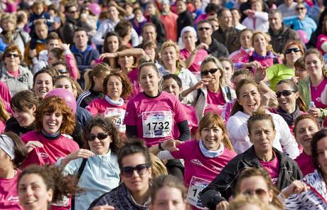 Miles de zaragozanas corrieron contra el cáncer de mama en una imagen de archivo.